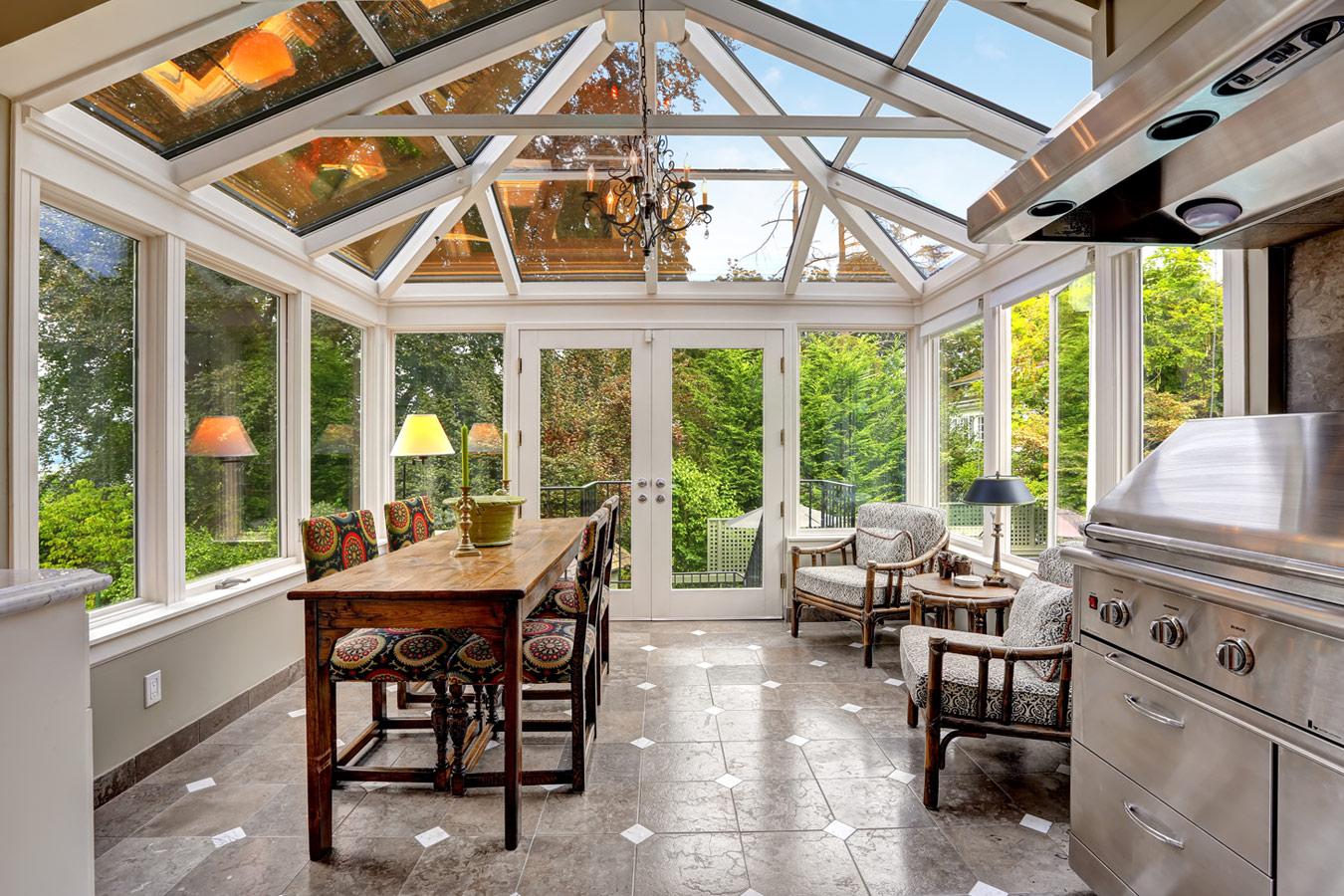 Aanbouw of serre voordelen en nadelen op een rijtje - Interieur van een veranda ...