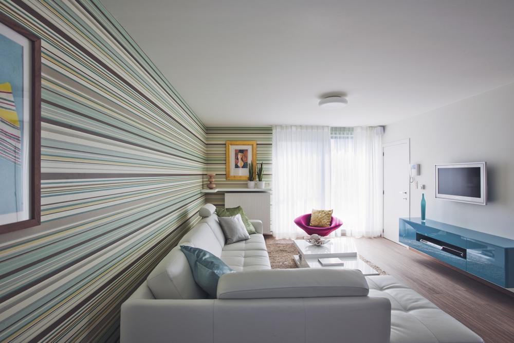 Hip Behang Woonkamer : Modern appartement met hip behang interieurdesigner