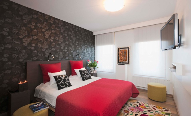 Moderne Strakke Slaapkamer : Stijlvol appartement met open keuken en moderne woonkamer